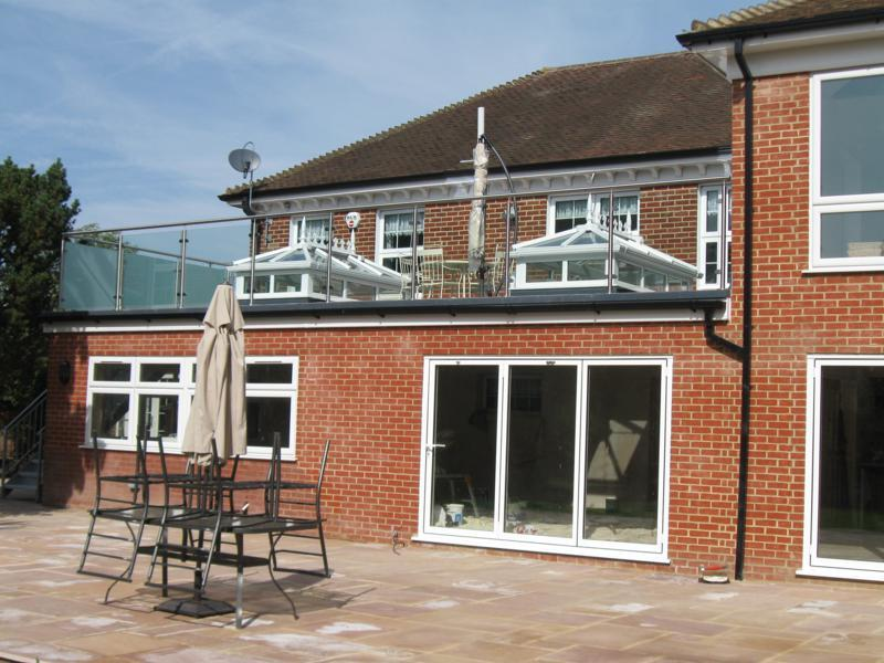 House building contractor portfolio house extensions kent for Small room extension